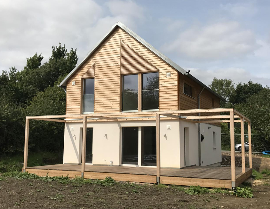 Baufritz House in Hampshire complete