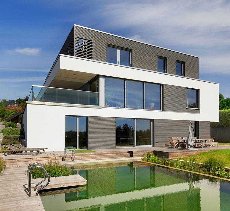 Modern house home designs baufritz for Modern house uk